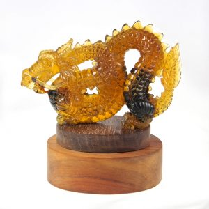 Mexican Amber Carving of a Stunning Dragon